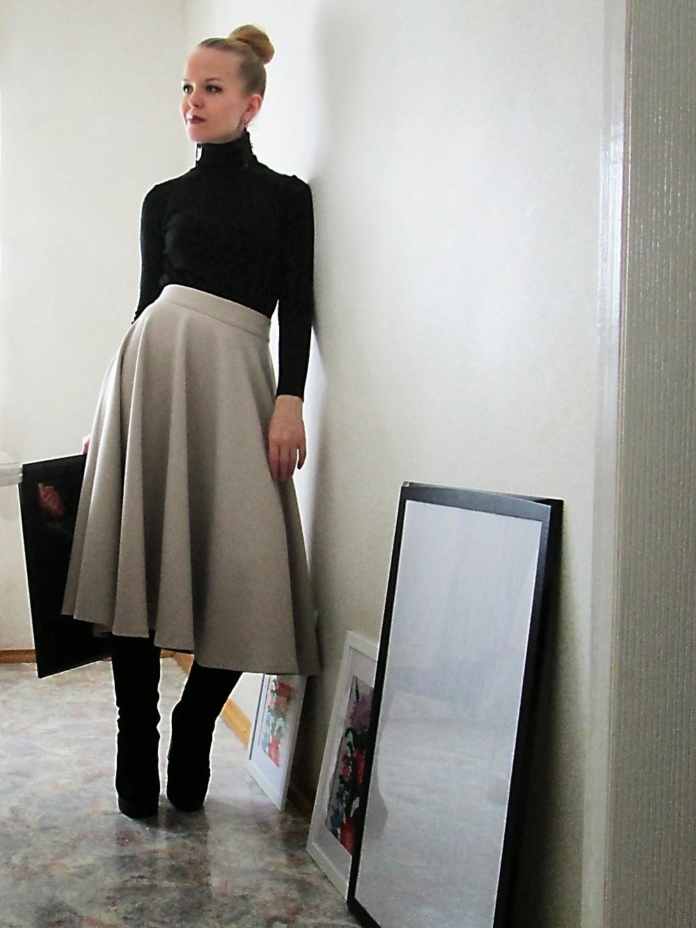 с чем носить серую юбку: шерстяная миди под гольф черный сапоги замшевые