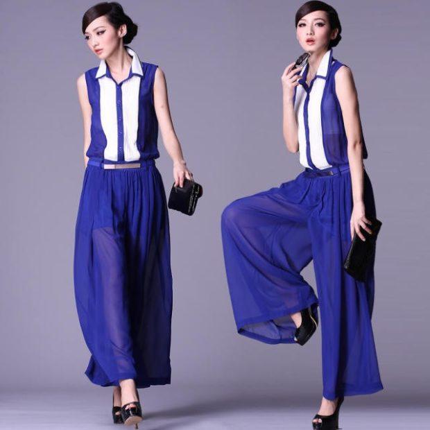 с чем носить яркие синие брюки: под блузку без рукава