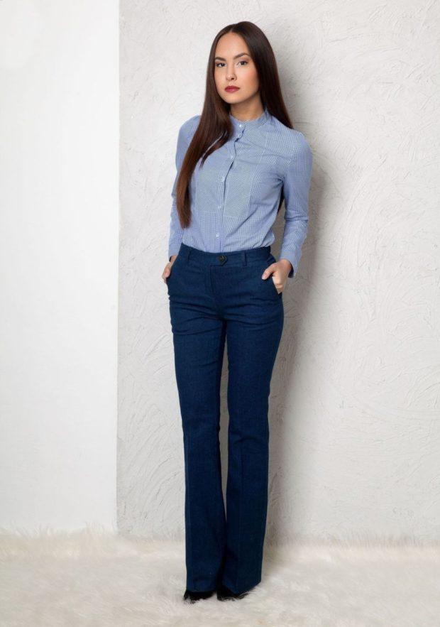 С чем носить ярко синие брюки: клеш под рубашку синюю