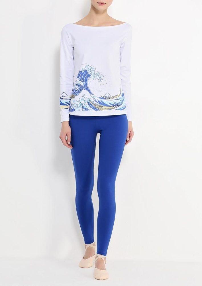 С чем носить ярко синие брюки фото: скинни под кофточку белую
