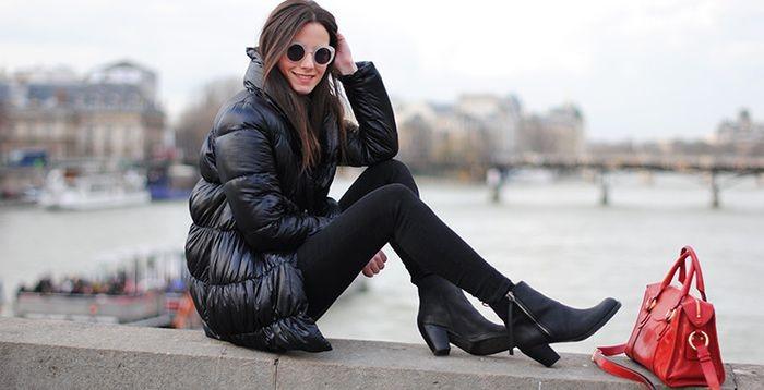 С какой обувью носить пуховик: удлиненный пуховик под ботинки черные на каблуке