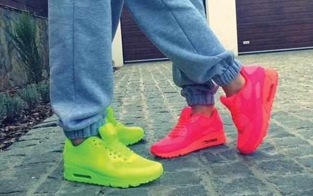 Спортивная обувь кроссовки кислотных цветов