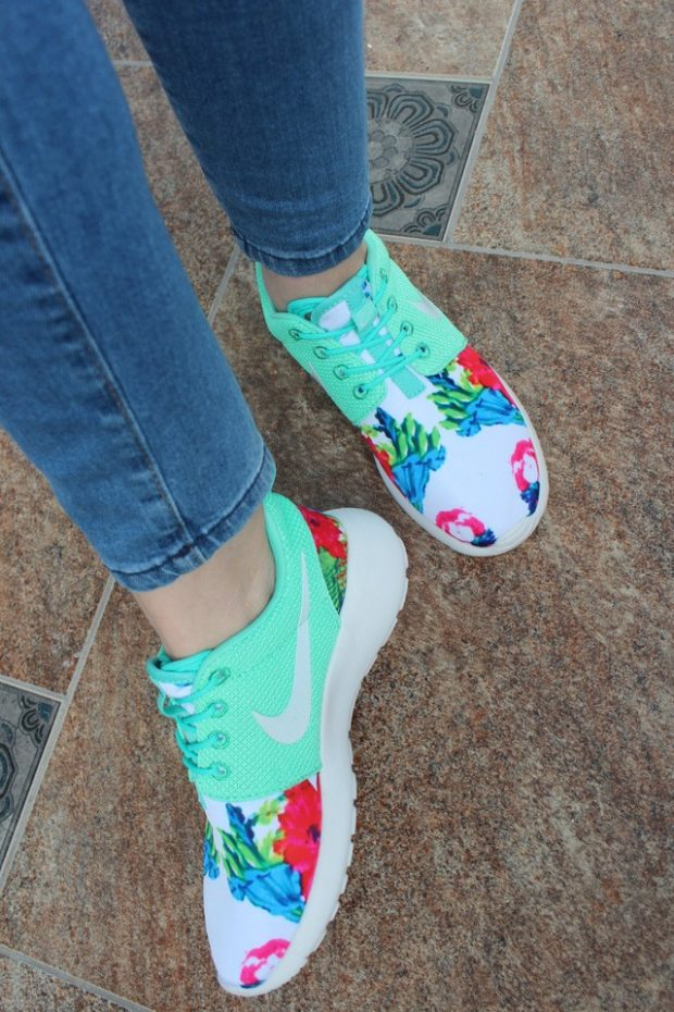 Спортивная обувь кроссовки с цветочным принтом