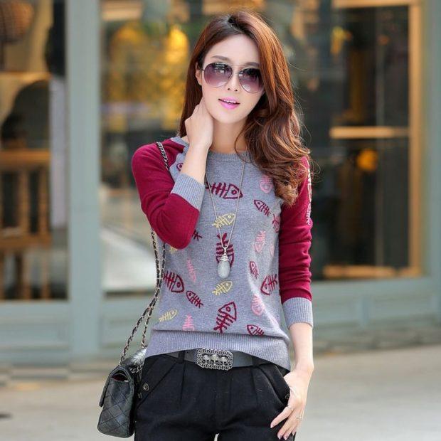Модные женские свитера 2019-2020: вязаный красно-серого цвета