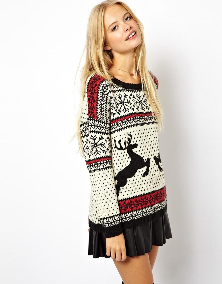 Модные свитера 2018 женские:вязаный свитер с белый с оленями цвета