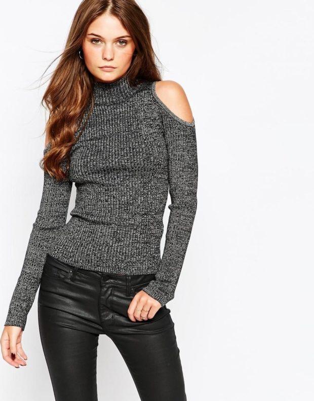 Модные свитера 2019-2020: вязаный серого цвета