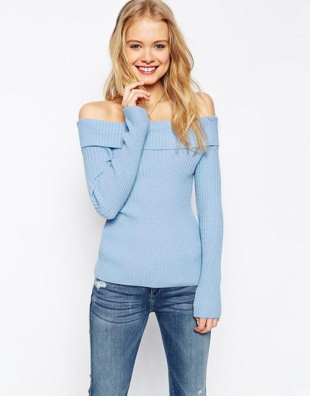Модные свитера 2019-2020: вязаный голубого цвета