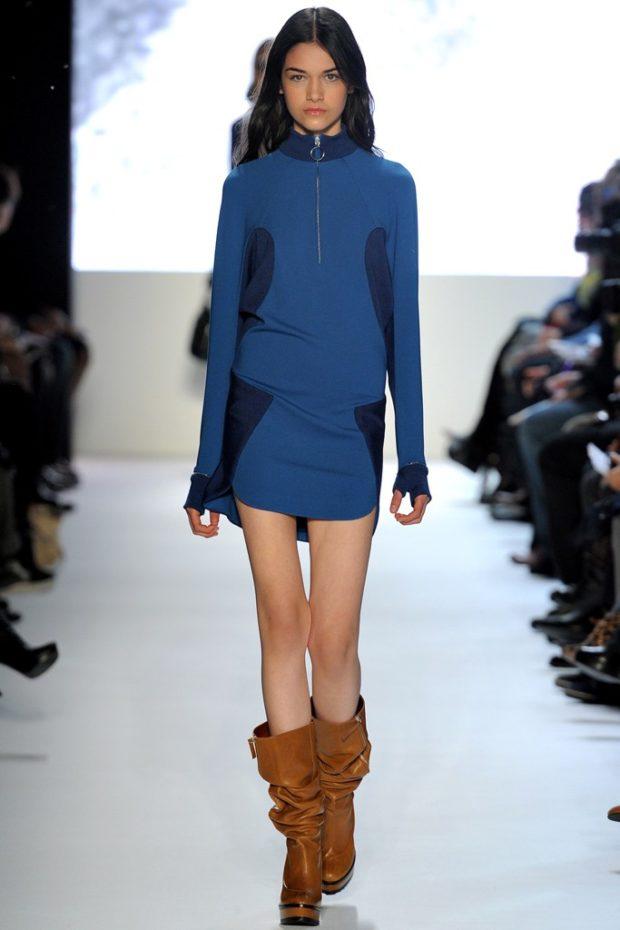 свитер-платье синего цвета