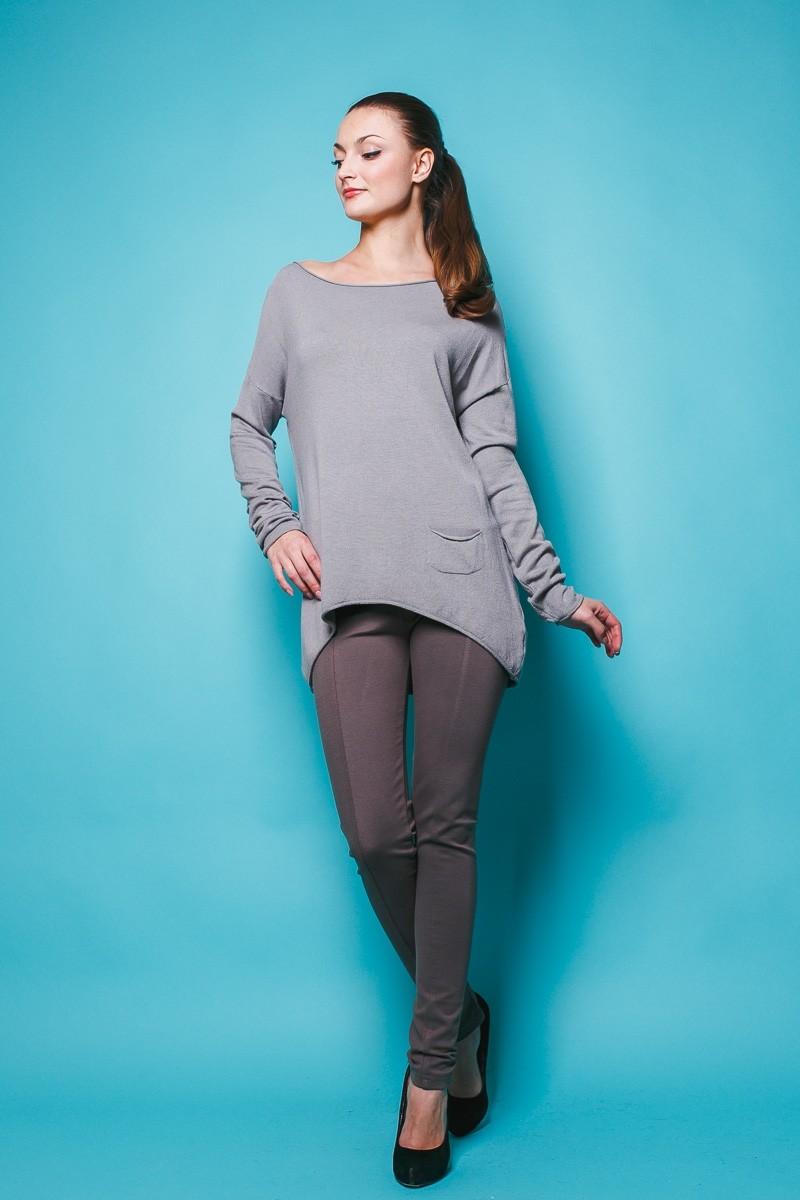 Модные свитера 2018 женские: свитер-асимметричный серого цвета