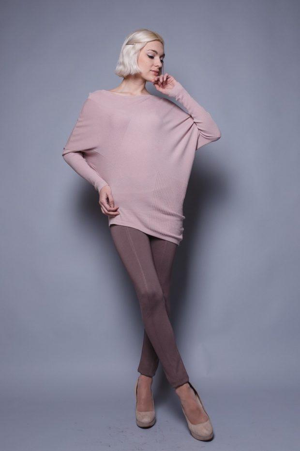Модные свитера: асимметричный розового цвета
