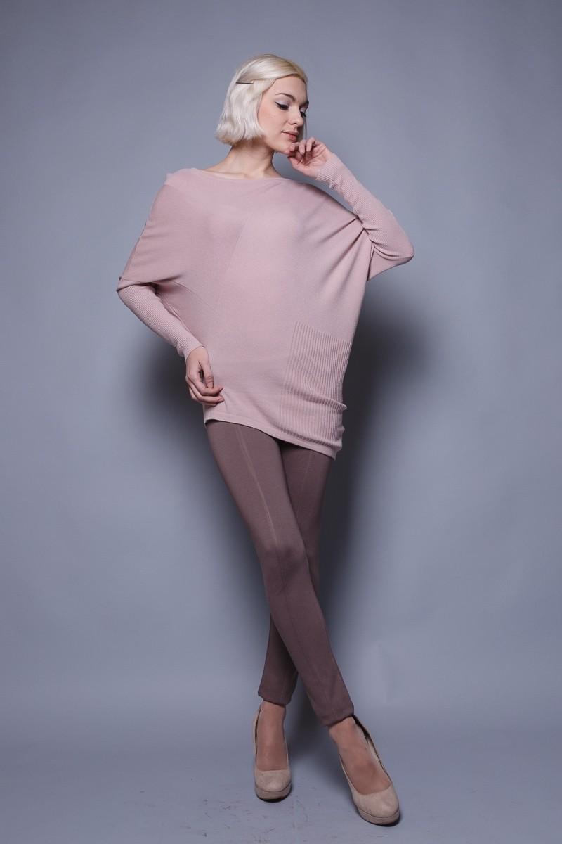 Модные свитера 2018 женские: свитер-асимметричный розового цвета