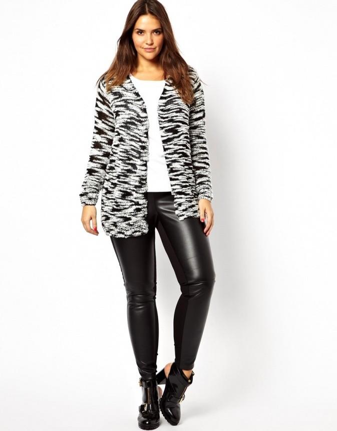 Модные свитера 2018 женские: вязаный кардиган черно-серого цвета