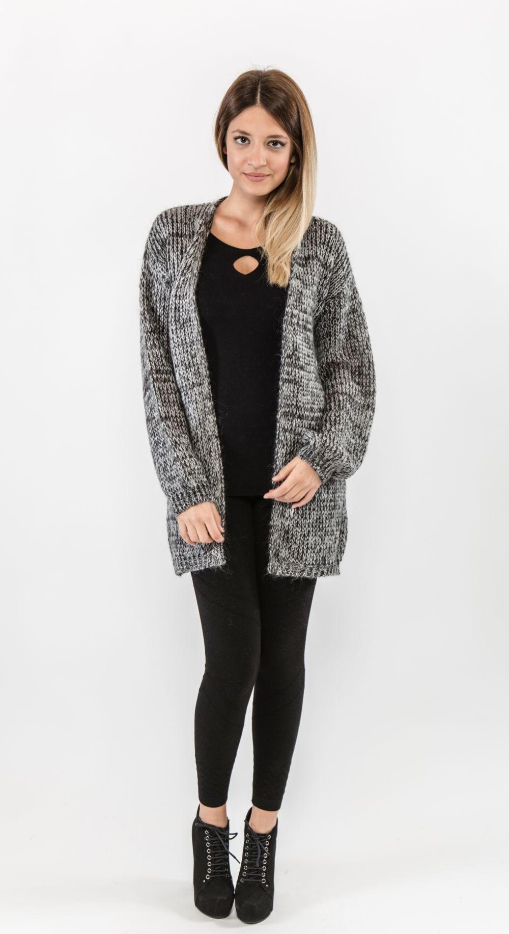 Модные свитера 2018 женские: вязаный кардиган серого цвета