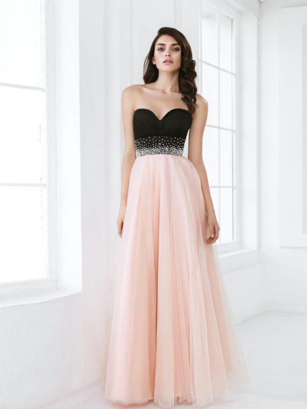 платья в пол на выпускной: бюстье с розовой юбкой