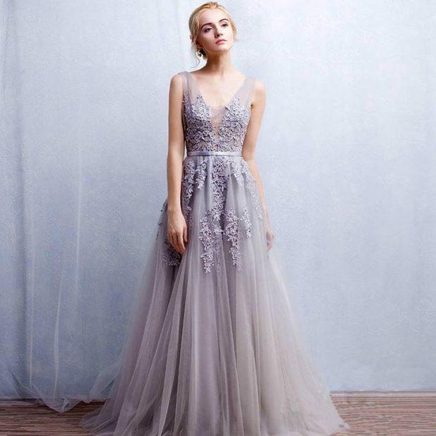 платья на выпускной в пол: шифоновое с вышивкой без плеч