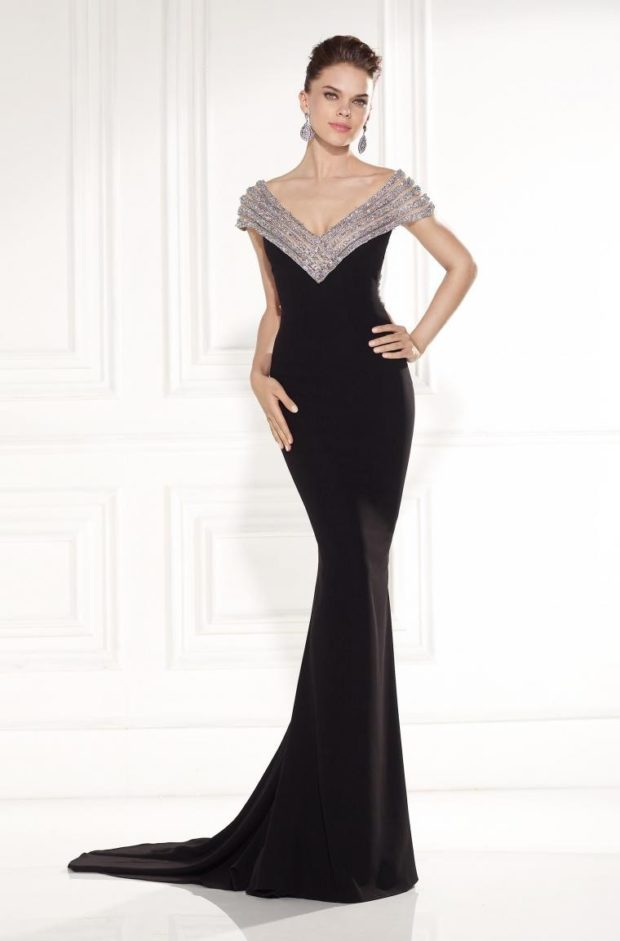 длинные платья на выпускной 2019: черное по фигуре серебристый верх
