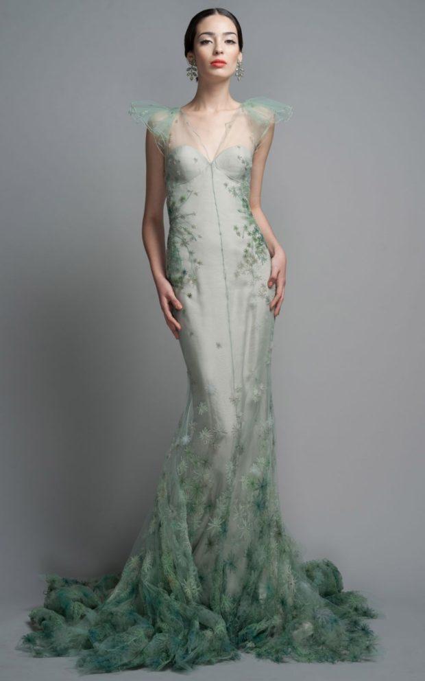 платья на выпускной 2019 в пол: русалка зеленое с цветами вышитыми
