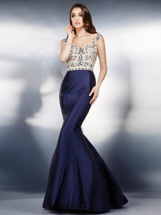 платья на выпускной 2019 в пол: русалка синее с бежевым в цветы