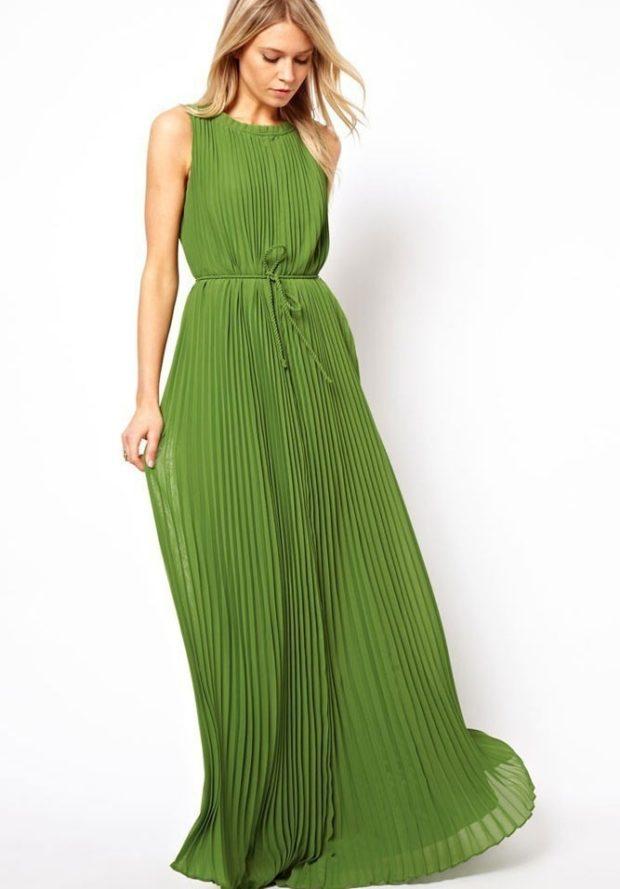 выпускные платья 2019 года длинные: из шифона зеленое плиссировка