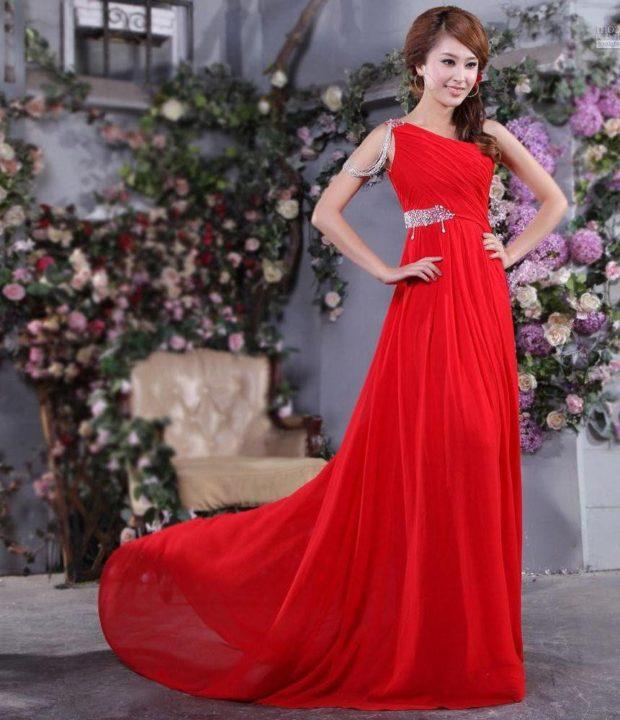 выпускные платья 2019 года длинные: греческий стиль красное на одно плечо