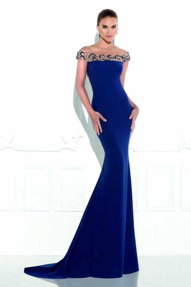 короткие платья на выпускной 2019: с открытым верхом синее