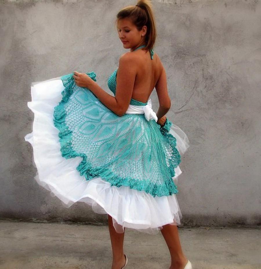 платье вязанное крючком мятное пышное