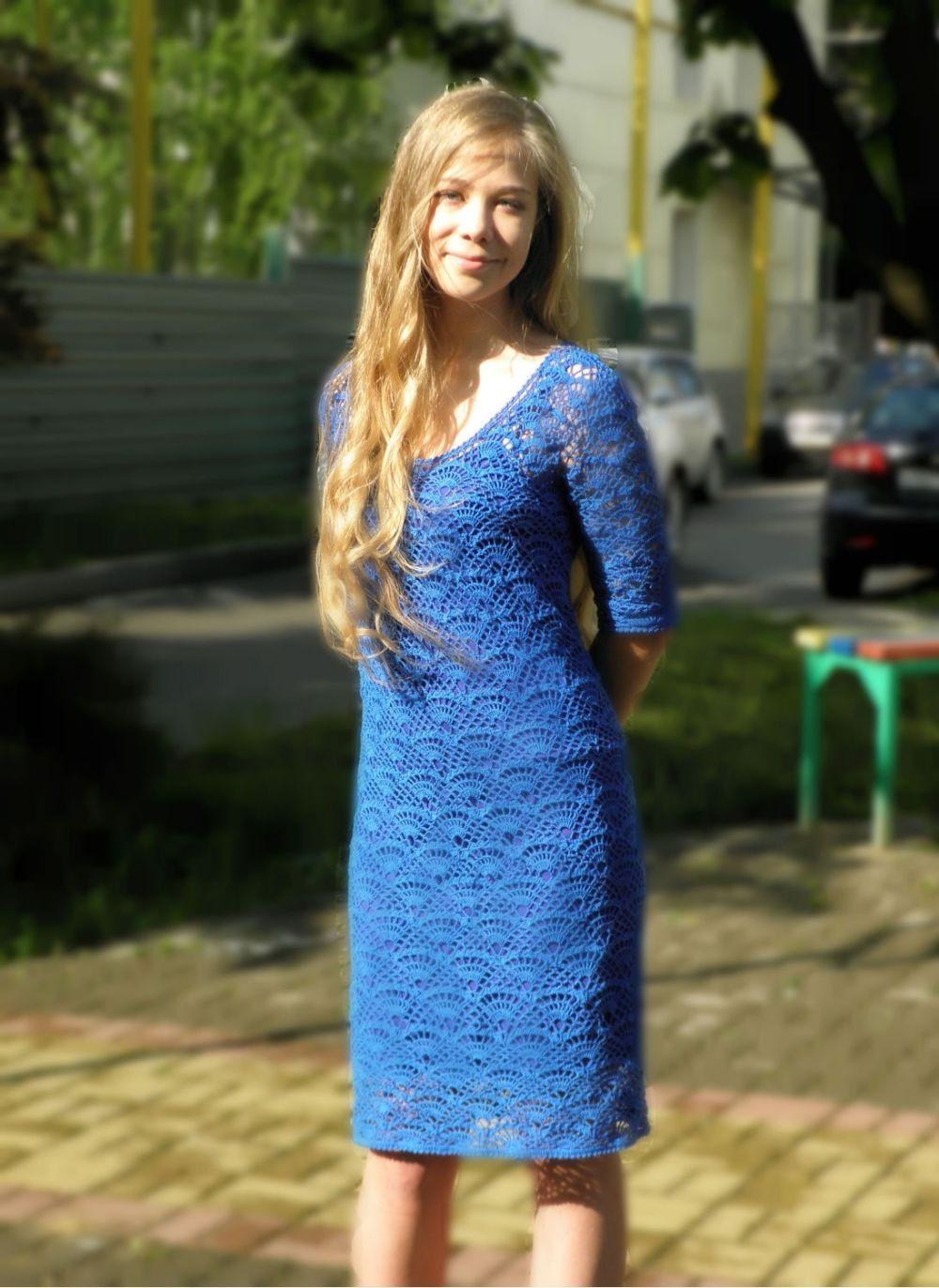 платье вязанное крючком синее по фигуре
