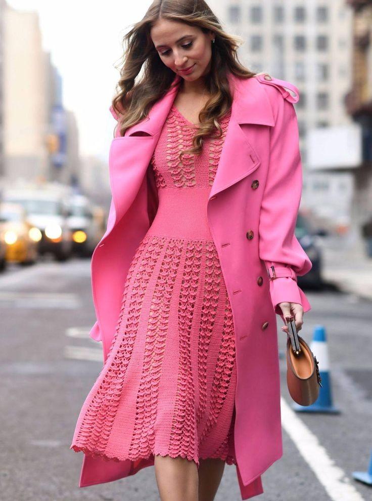платье вязанное крючком розовое осеннее