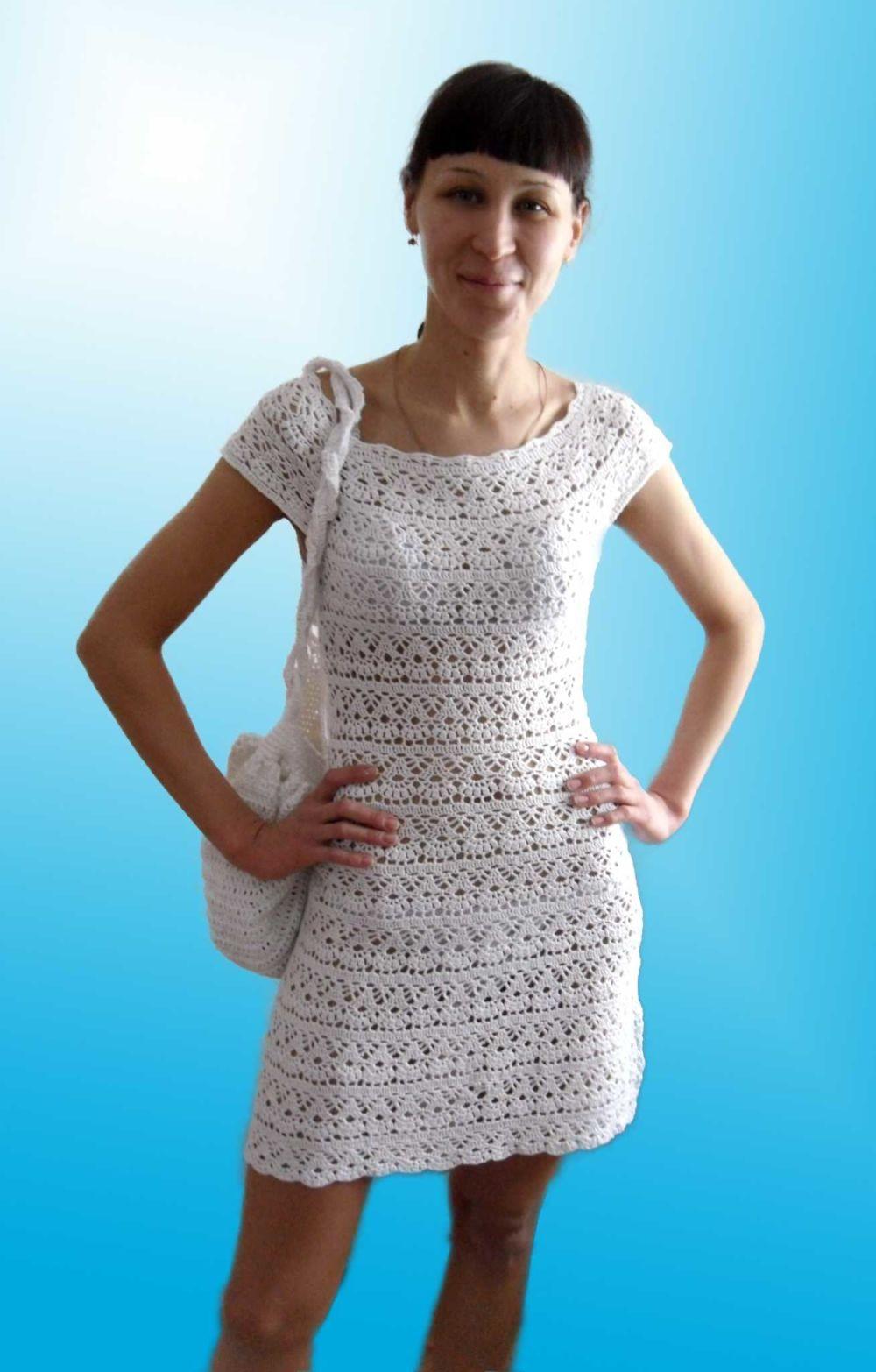 платье вязанное крючком белое короткое