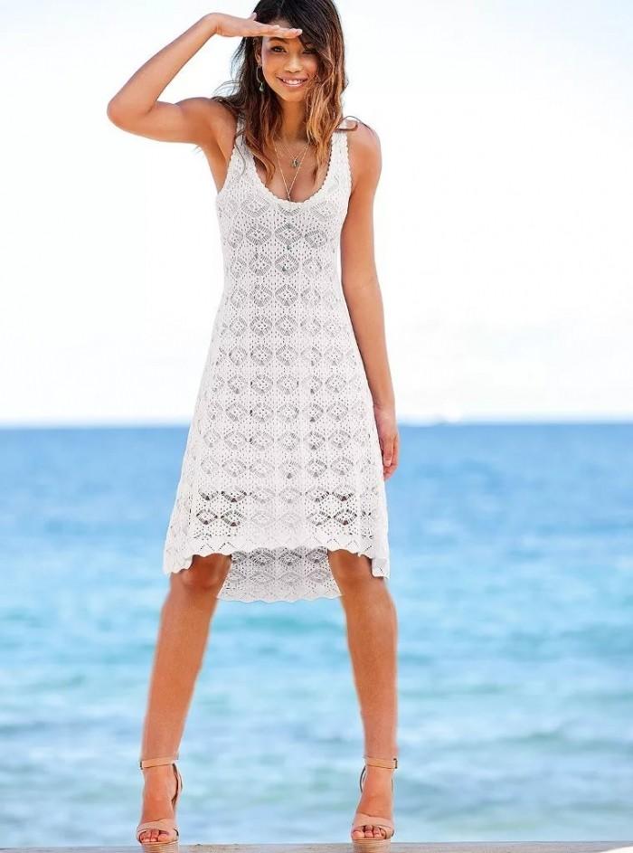 платье белое вязанное крючком без рукава
