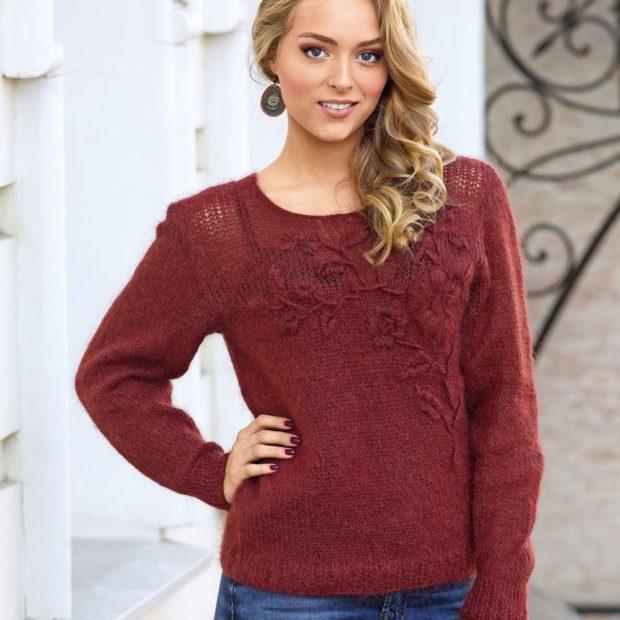 Модные женские свитера 2019-2020: вязаный бордового цвета