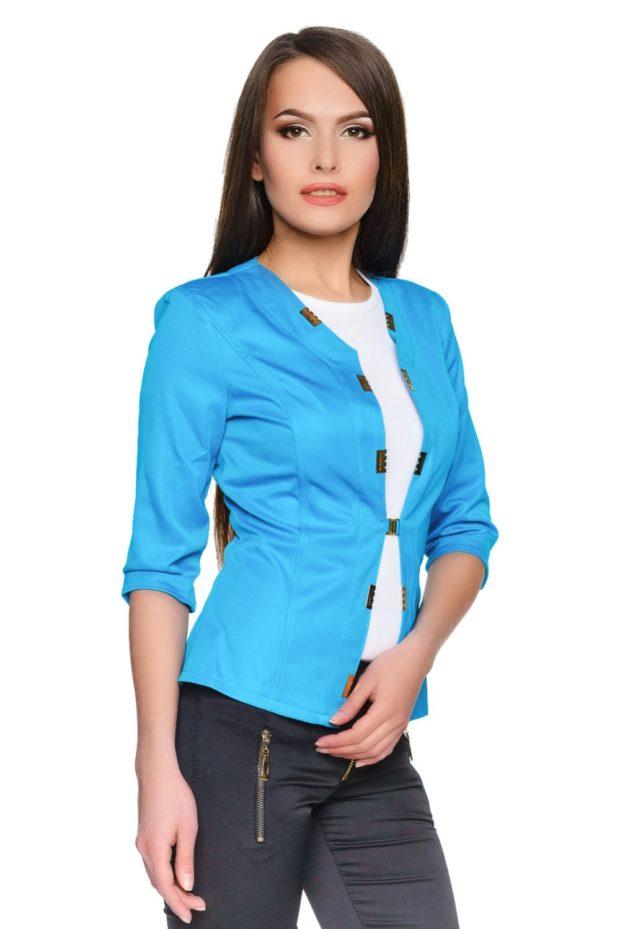 модные пиджаки 2019-2020 женские фото: голубой рукав 3/4