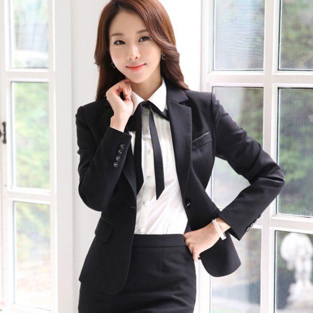 модные пиджаки 2019-2020 женские фото: черный короткий