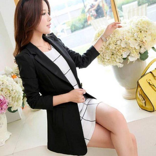 женский пиджак 2019-2020 года модные тенденции: длинный черный рукав 3/4