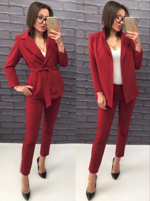 женский пиджак 2019-2020 года модные тенденции: с поясом красный