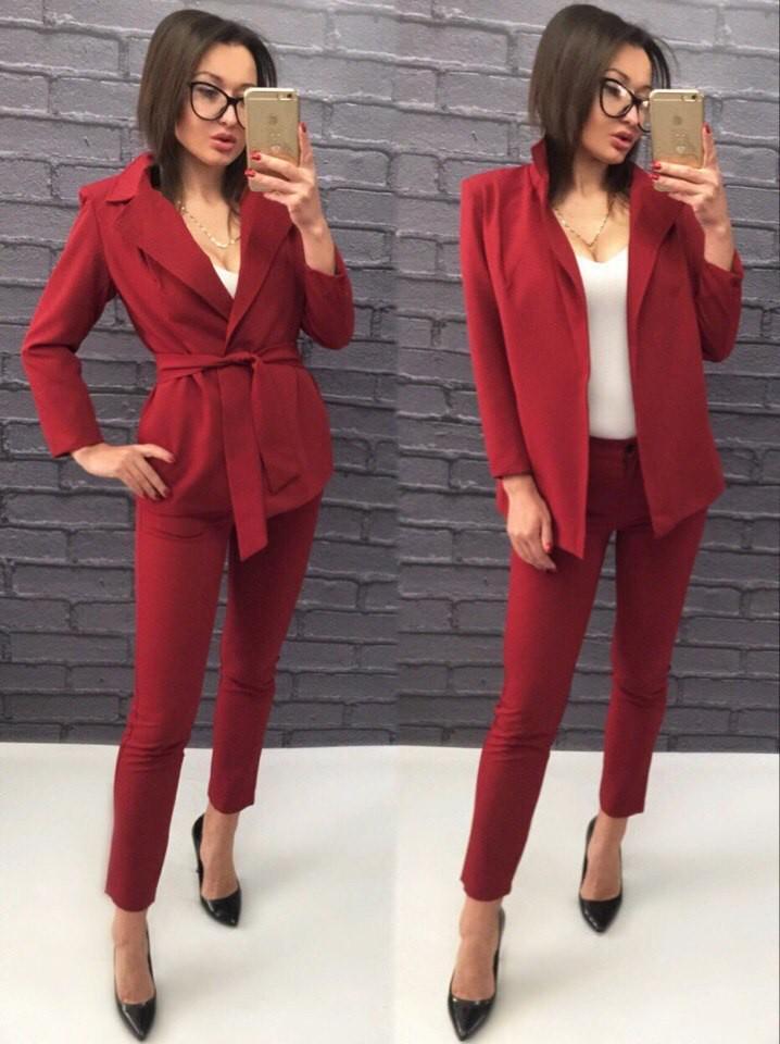 женский пиджак 2018 года модные тенденции: с поясом красный