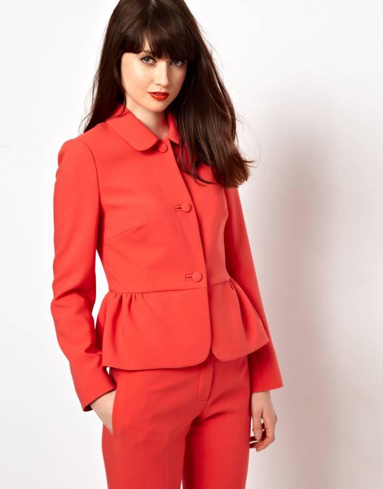 женские пиджаки 2018 года фото: пеплум красный