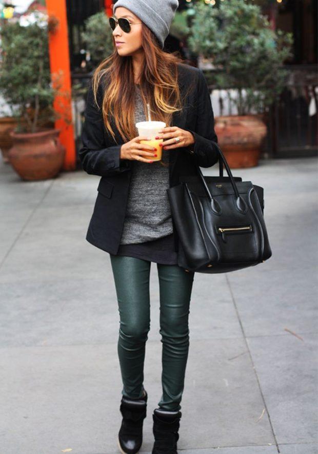 Зимние луки 2018-2019: пальто черное штаны зеленые кожаные