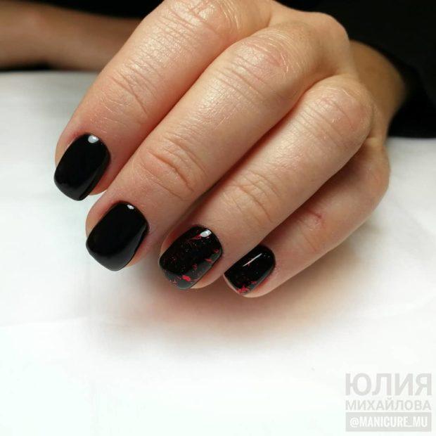 новогодний дизайн ногтей черный