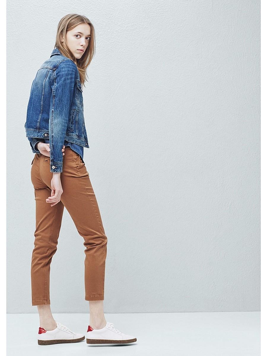 брюки чиносы коричневые с чем носить