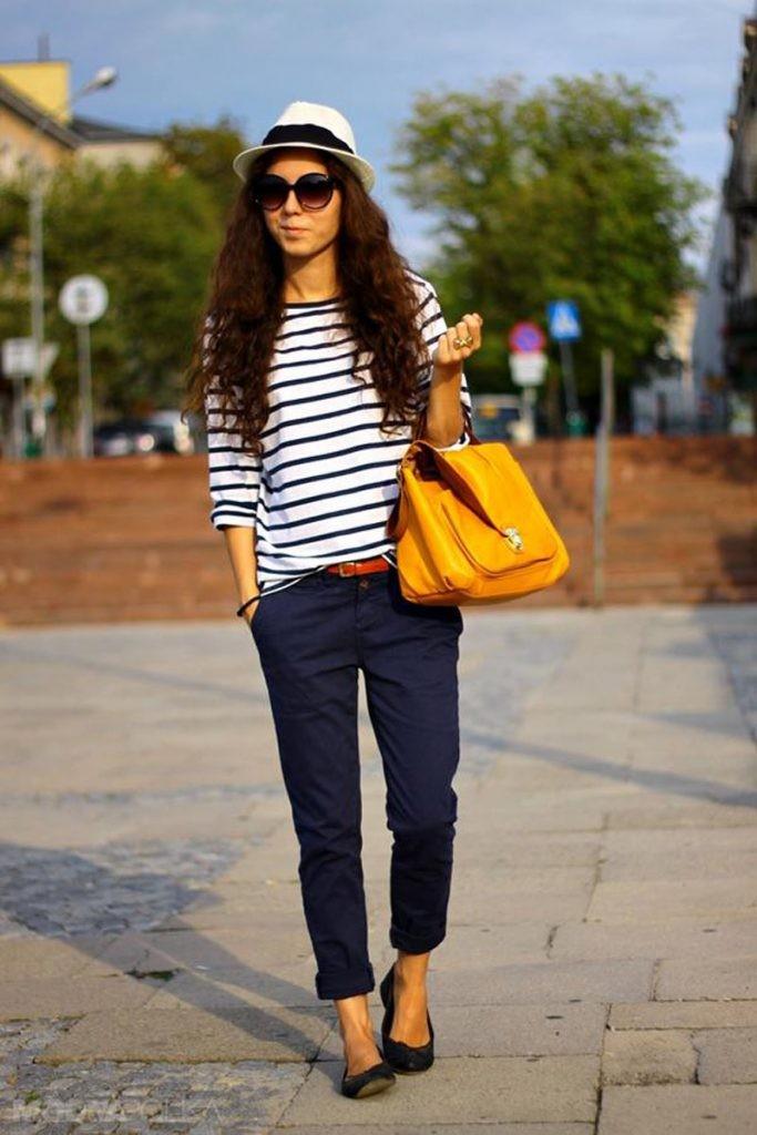 чиносы синие под низкий ход шляпку сумка желтая