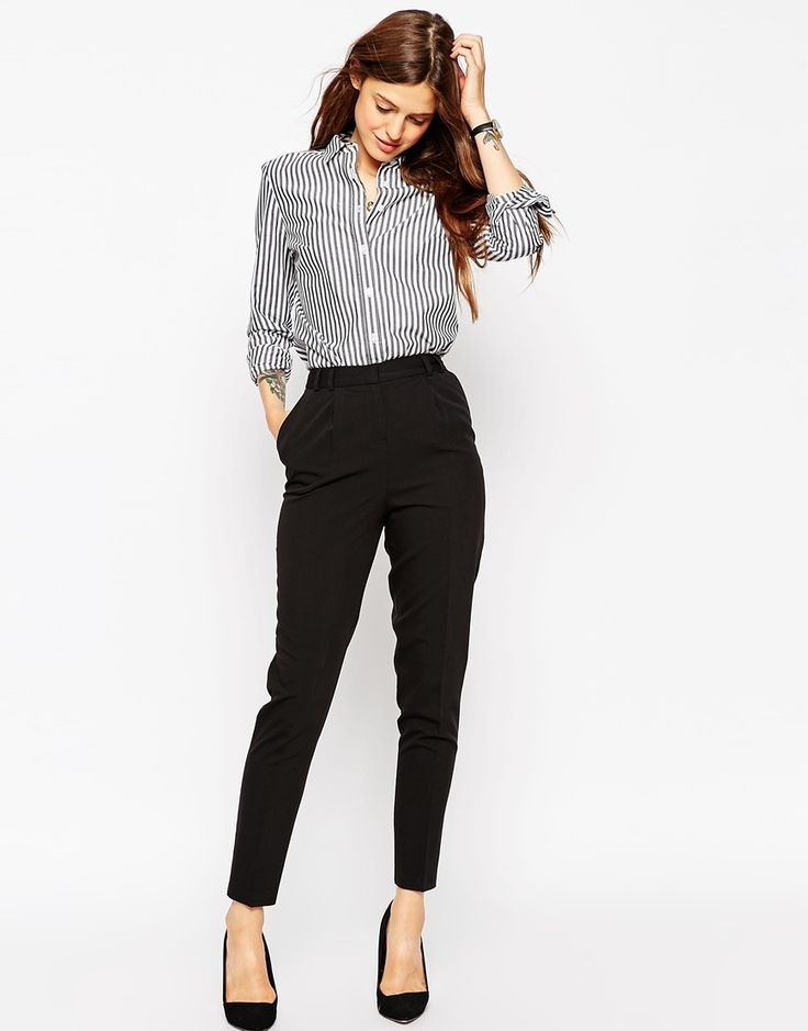 с чем носить брюки с завышенной талией: черные под рубашку