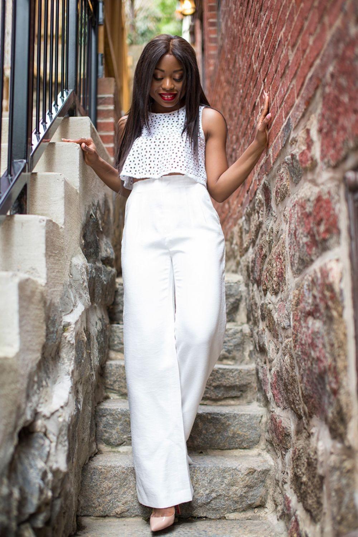 с чем носить брюки с завышенной талией: белые