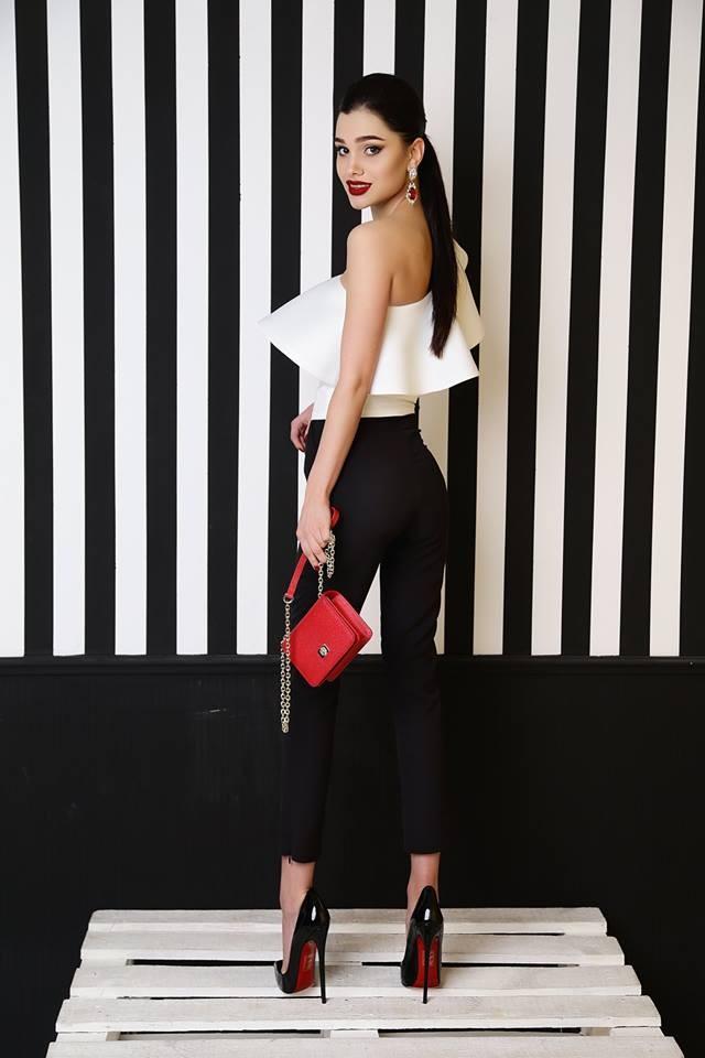 с чем носить брюки с завышенной талией: черные короткие