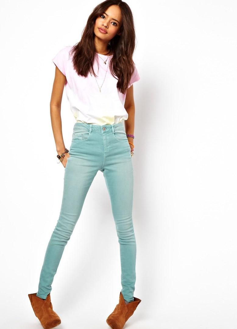 с чем носить брюки с завышенной талией: голубые
