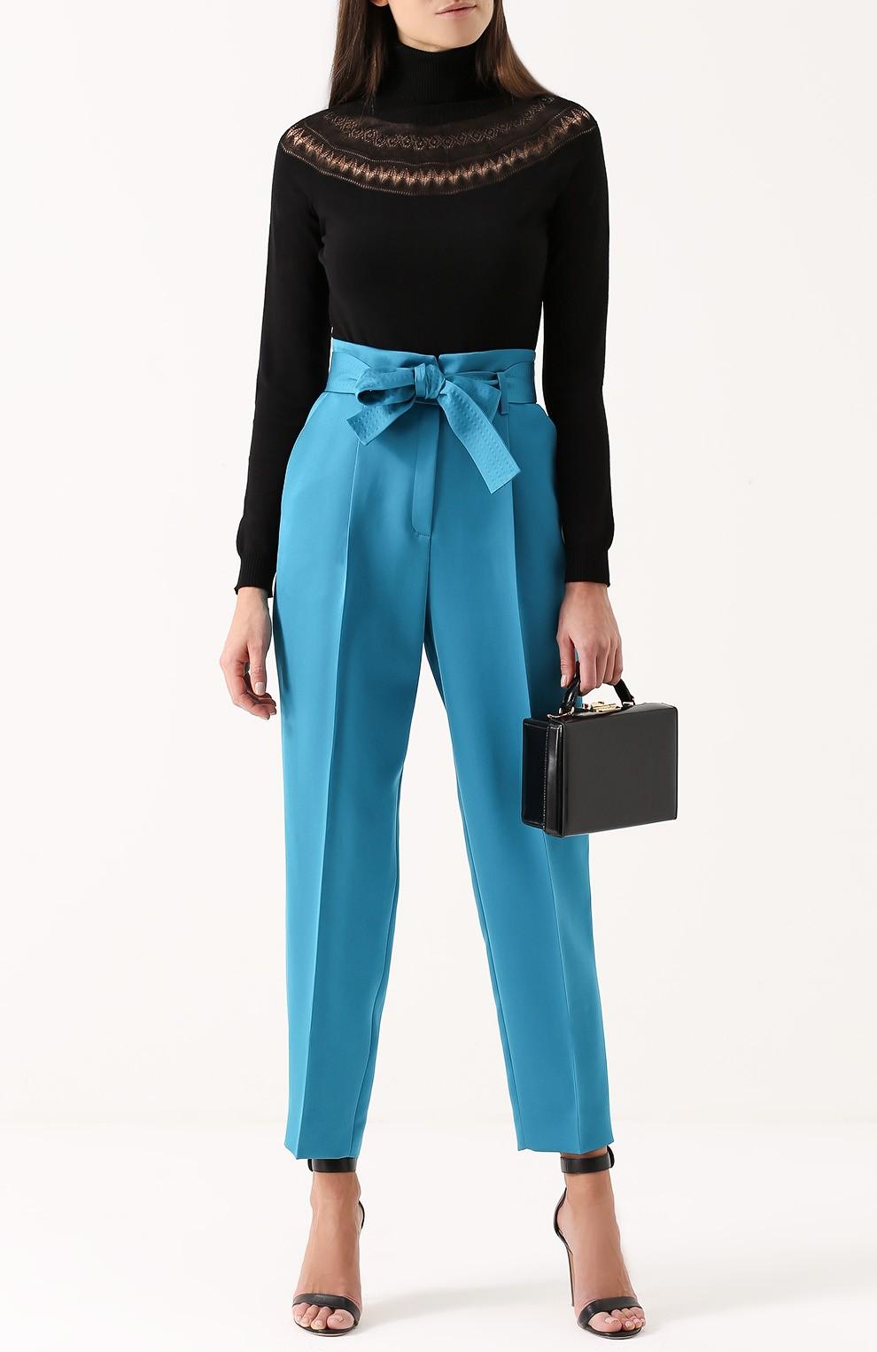 брюки высокая талия под босоножки на каблуке сумочку чемодан