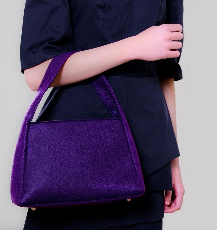 фиолетовая сумка под темную одежду