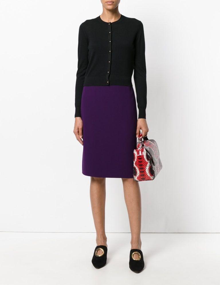 юбка фиолетовая по колено под черную кофту