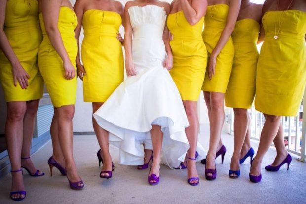 фиолетовые туфли под желтое платье