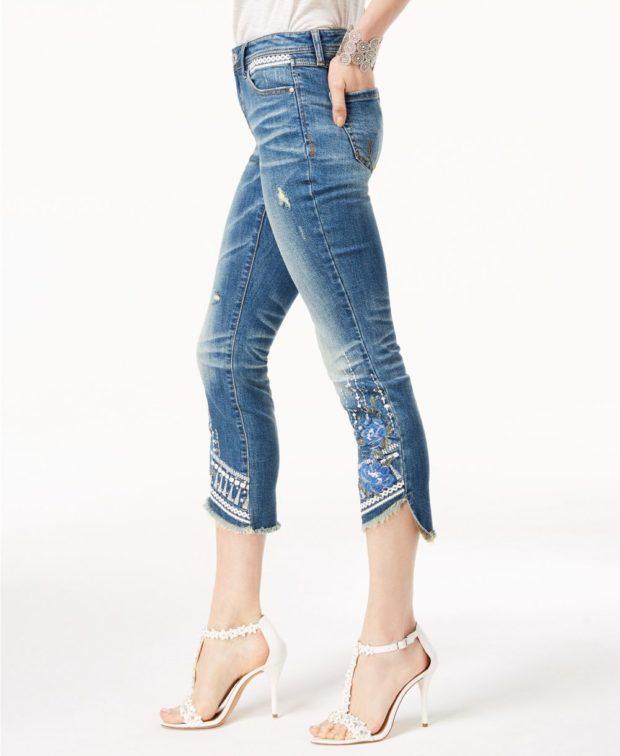 джинсы с вышивкой мода 2018